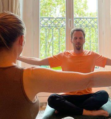 yoga-strecthing-360x389